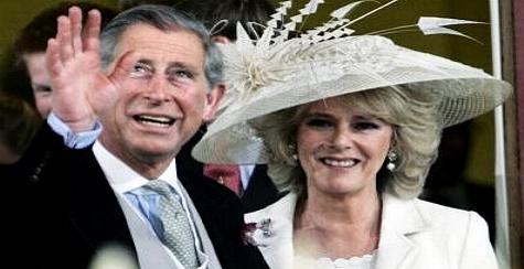 Prinz Charles und Camilla am 09. April 2005, nach dem Standesamt - Geschafft - nach 35 Jahren.