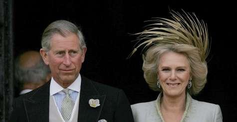 Prinz Charles und Camilla am 09. April 2005, nach der Kathetrale - Geschafft - nach 35 Jahren.