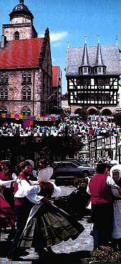 Here is the market place and the old worth seeing town hall of the middle-Hessian metropolis Alsfeld, while a festival, pictures.